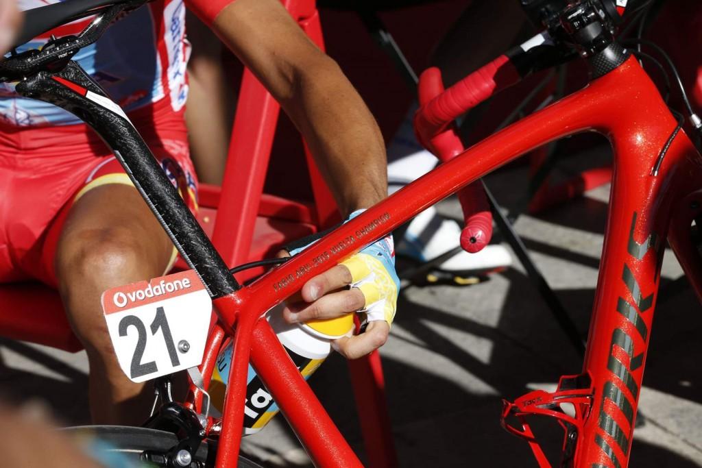13 September 2015 70th Vuelta a Espana Stage 20 : Alcala de Henares - Madrid Bike of ARU Fabio (ITA) Astana, Maillot Rojo Photo : Yuzuru SUNADA
