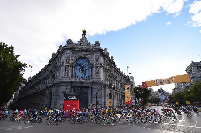Vuelta2015_Stage21_Peloton1