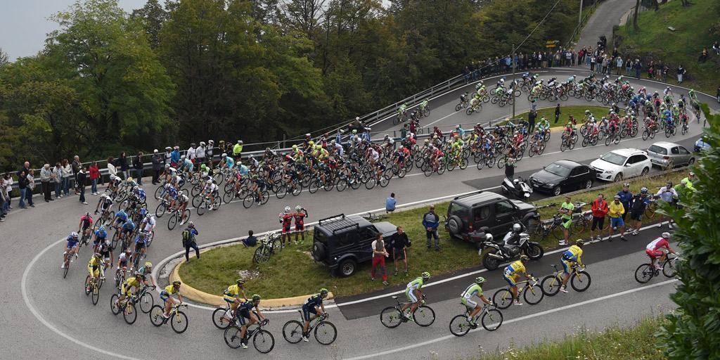Giro_Di_Lombardia_2014_peloton2