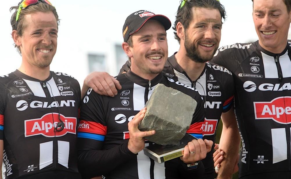 2015, Paris - Roubaix, John Degenkolb ) Giant - Alpecin 2015)
